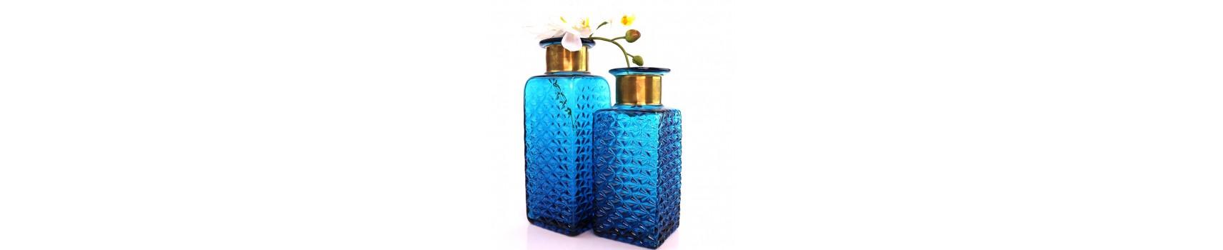 כלי זכוכית בצבע כחול